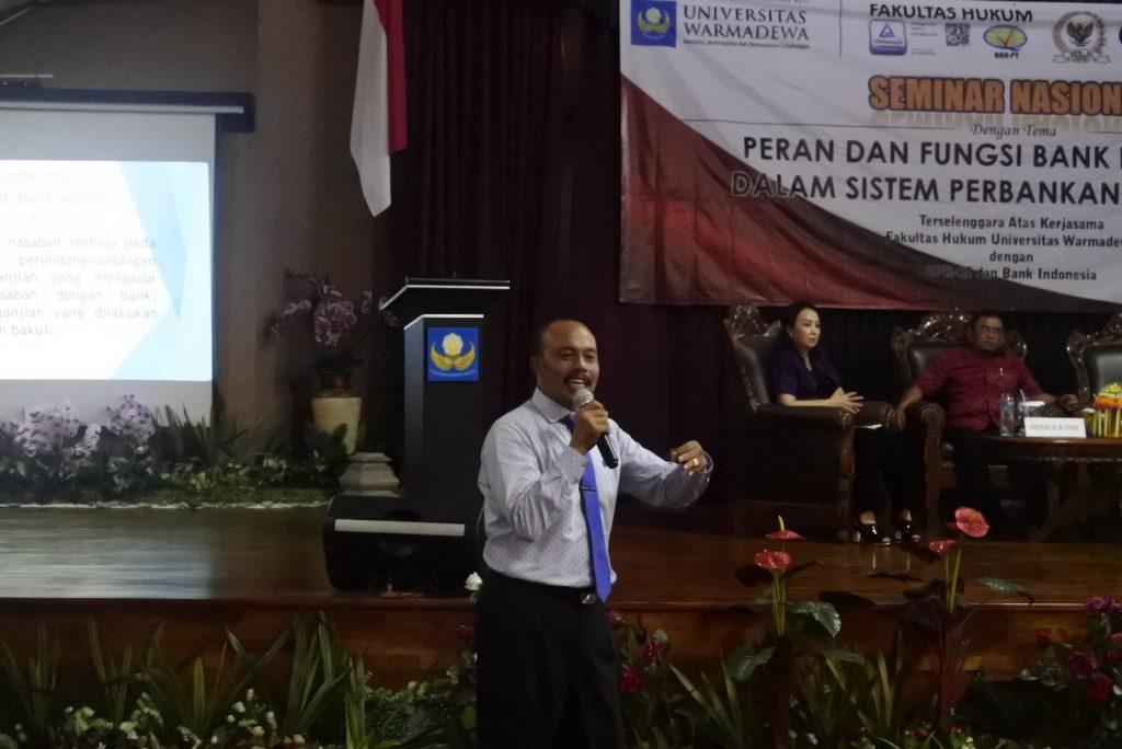 Dr. I Nyoman Sujana, SH., M.Hum, Dosen Fakultas Hukum Universitas Warmadewa memberikan materi