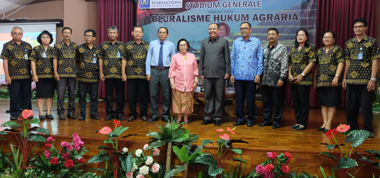 """Fakultas Hukum Universitas Warmadewa menyelenggarakan Studium Generale """"Pluralisme Hukum Agraria"""" Dengan Menghadirkan Prof. Dr. Maria S. W. Sumardjono, SH, MCL, MPA."""