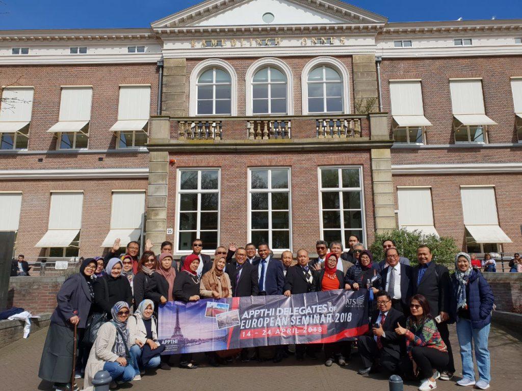 Dekan Fakultas Hukum Universitas Warmadewa ikut berpartisipasi dalam rombongan APPTHI studi banding Eropa