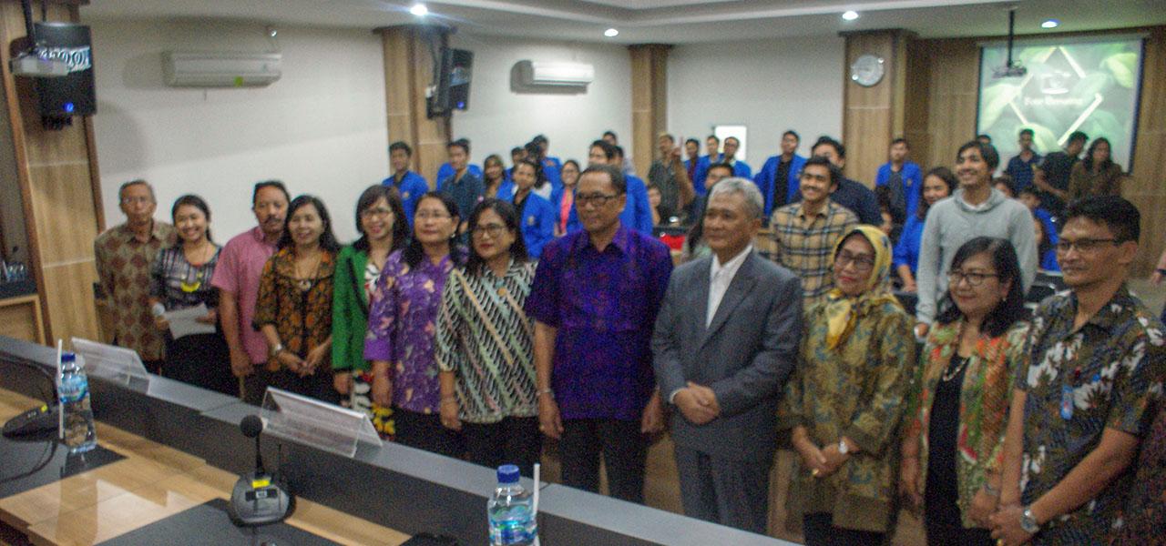 """Fakultas Hukum Universitas warmadewa menyelenggarakan kuliah umum yang bertema """"accommodation with social and culture is a source of law in The Judge Made law in Indonesia"""""""