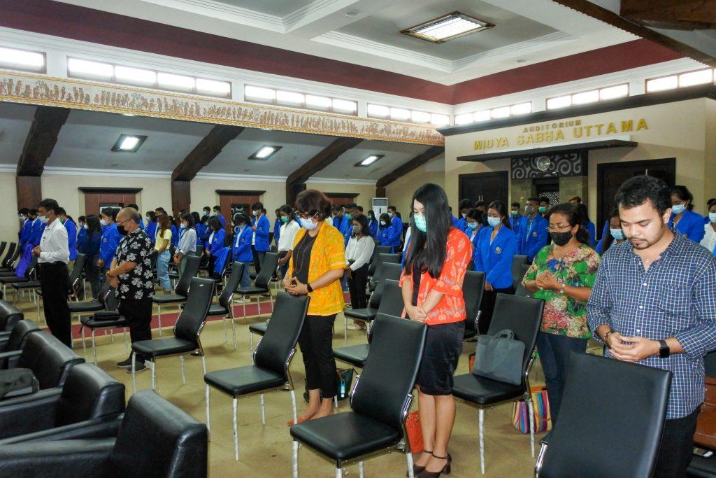 Acara di hadiri oleh mahasiswa Fakultas Hukum Universitas Warmadewa yang duduk di semester V dan semester VII. Acara dilaksanakan di ruang Widya Sabha Uttama.